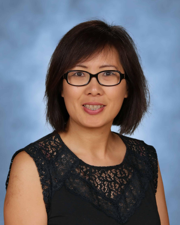 Mrs. Jennifer Lin : Computers/Library